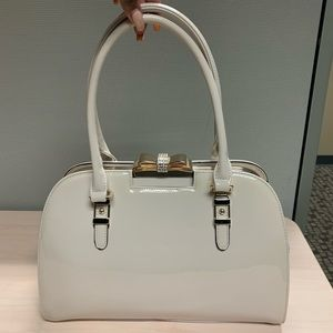 Handbags - Cream bow patent purse